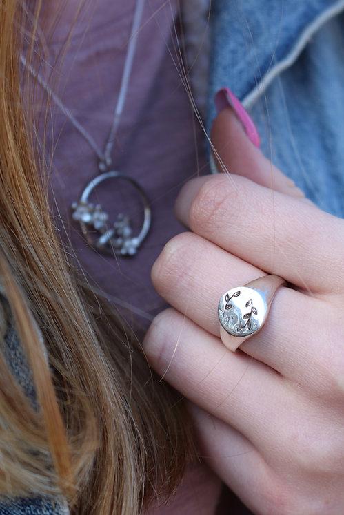 Silver Flower Wreath Signet Ring