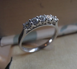 B Jewellery Diamond 5 Stone 18ct (3)