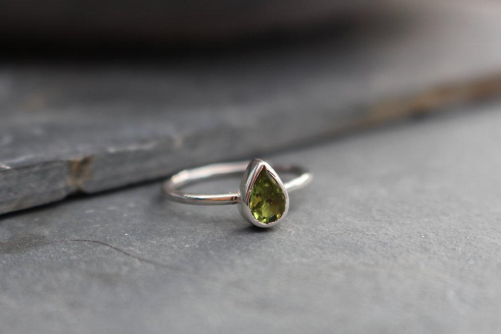 Silver Pearshape Peridot Ring