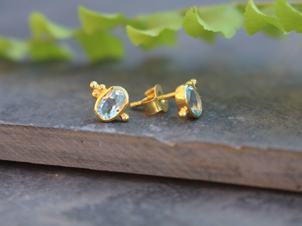 Dracie Stud Earrings