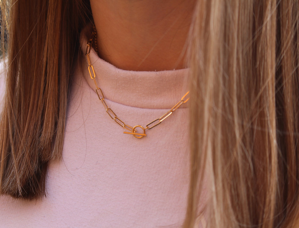 Simple Oval T Bar Gold Necklace