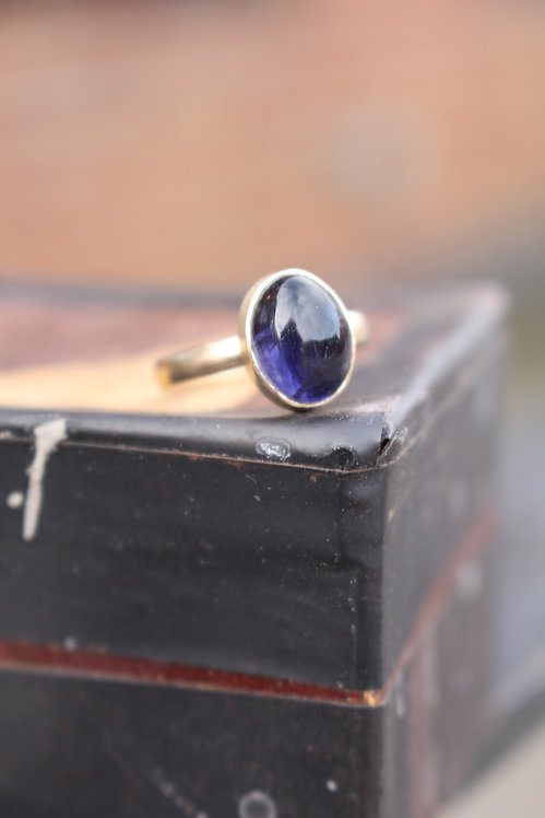 9ct Yellow Gold Iolite Oval Ring