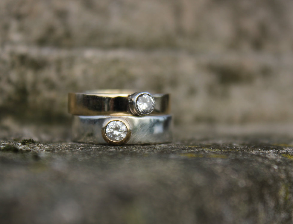 Set of 2 9ct Yellow Gold Stackable Rings