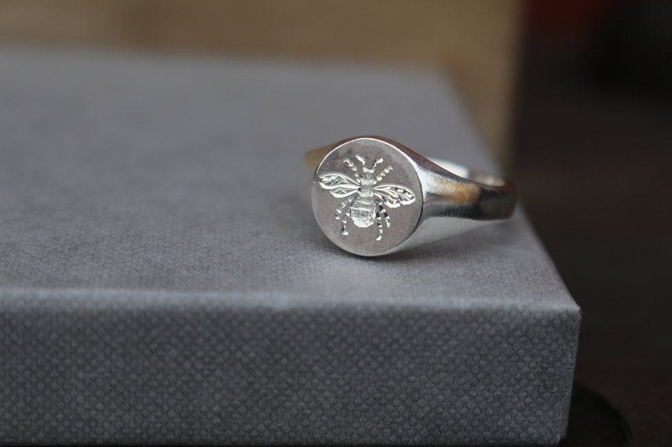 Bee Engraved Signet Ring