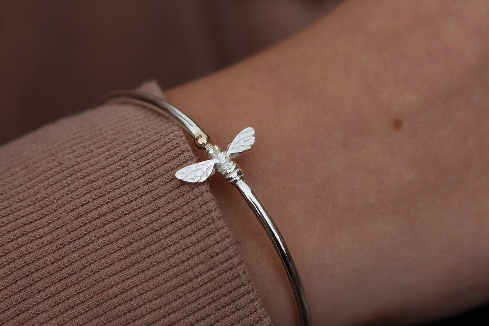Silver Flying Golden Bee Bangle