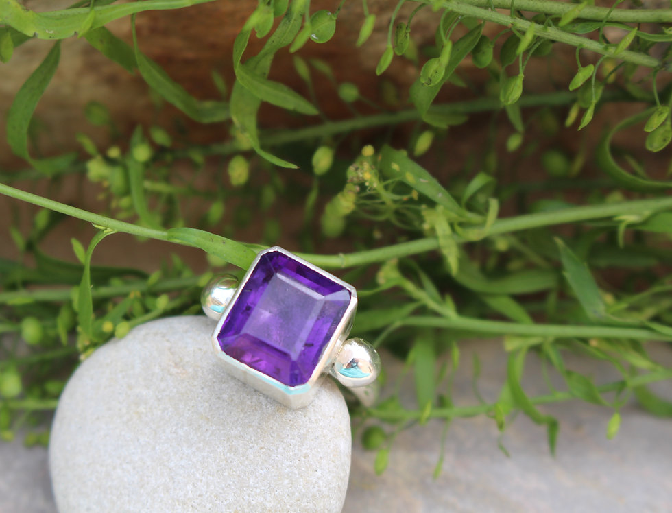 Silver Amethyst Bobble Ring