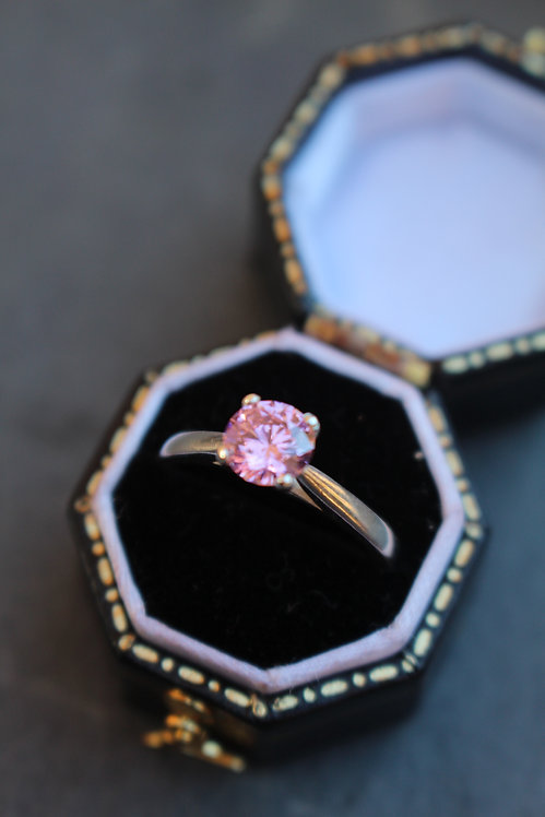 Silver Claw Set Pink Ring