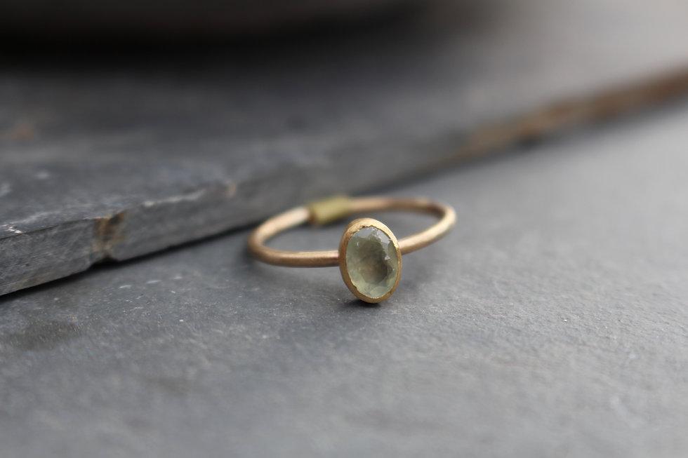 Yellow Gold Perhnite Ring