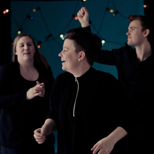 Falkevik dancing