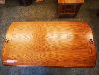 Fine bord og benk til salgs i Bruktbui
