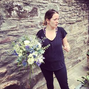 Making bridal bouquet 💐