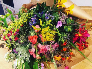 All for me this bouquet 💐 picked by me