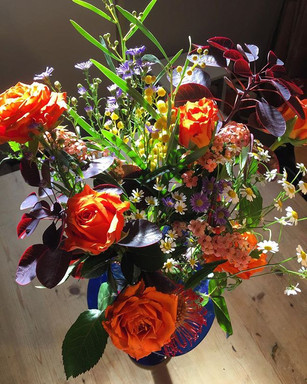 Leftover flowers 💐 and wonderful Autumn