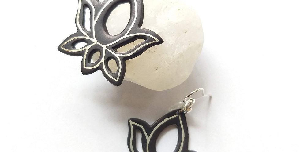 Bidri Lotus Dangler Earring