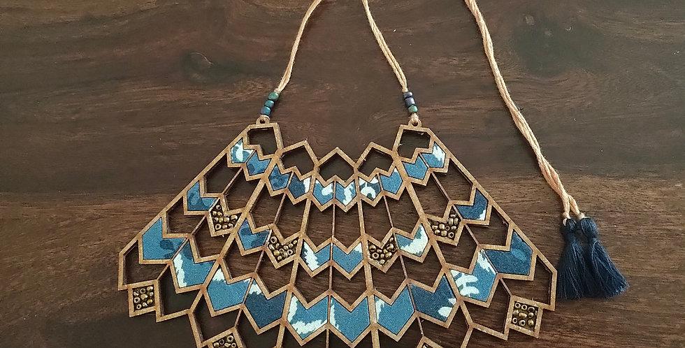 Blue wave pattern necklace