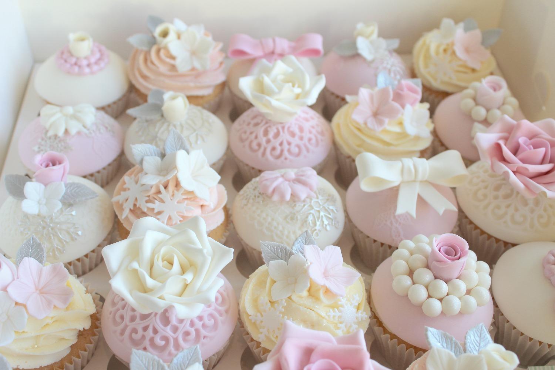 Rotherham Wedding Cake Designer