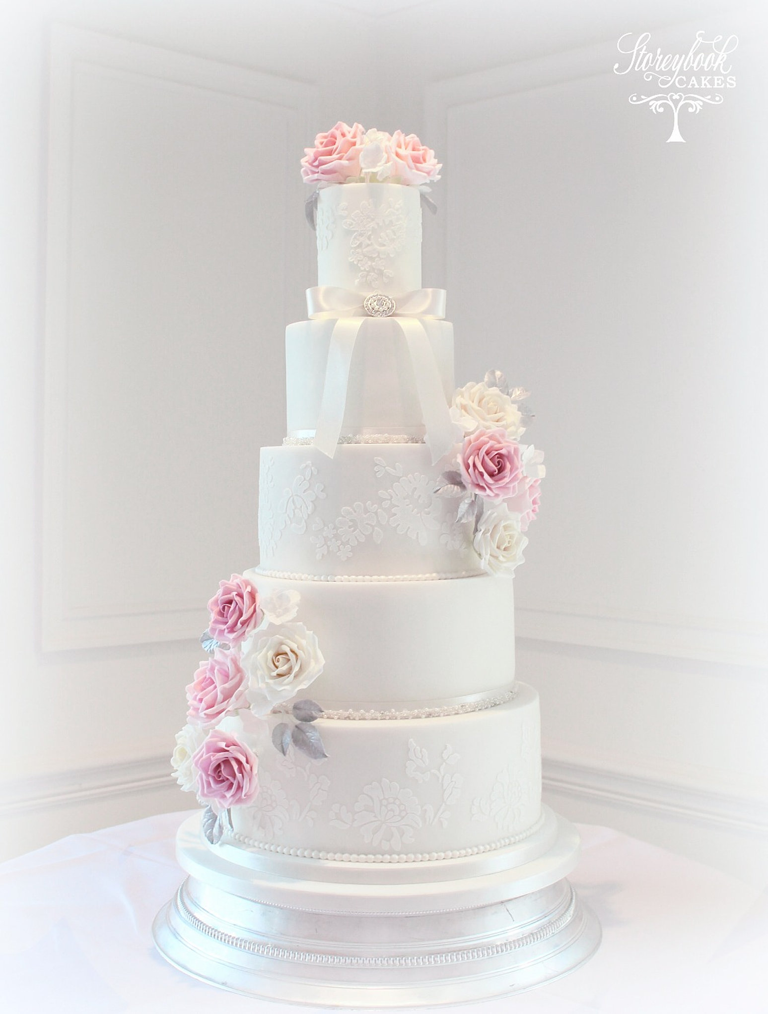 wedding cake sheffield luxury bespoke wedding cakes sheffield nottingham worksop 24489