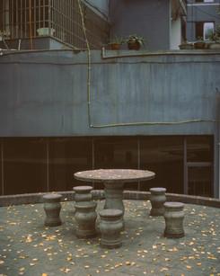 石桌.jpg