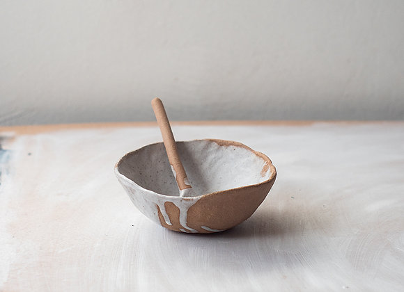 Handpinched pour bowl with spoon