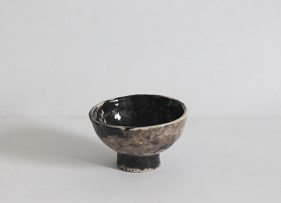 Footed snack bowl, crooked marble