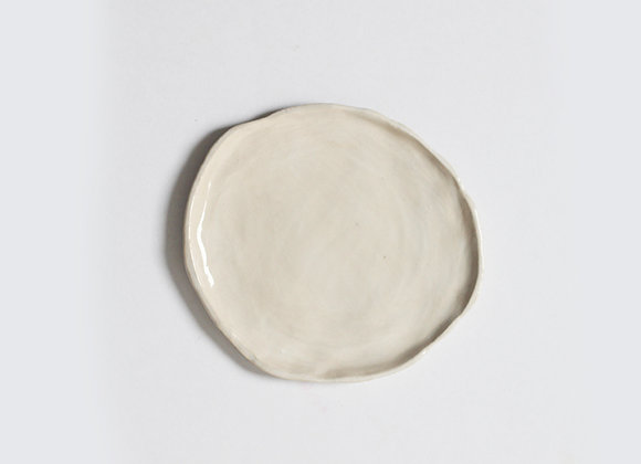 Crooked biscuit plate