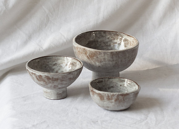 Handpinched footed bowl set