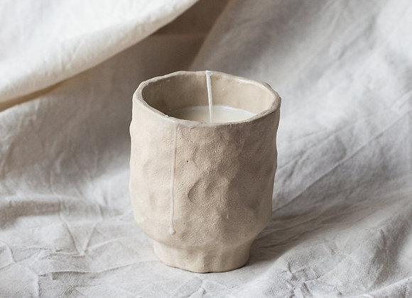 Rustic handmade candle naturel
