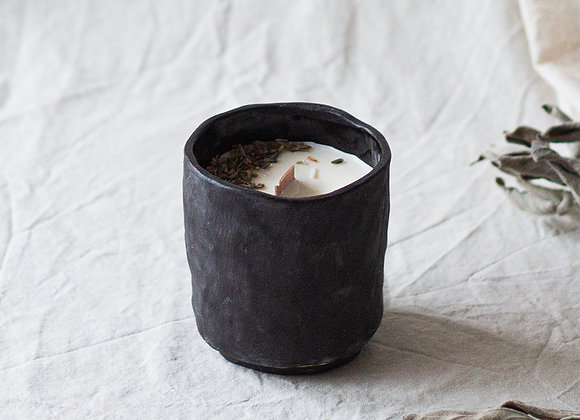 Rustic candle, black