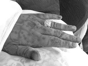Henna 10 b+w.jpg