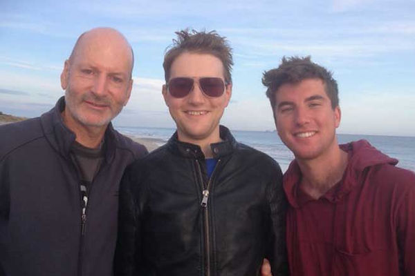 Retunr to Love NZ - Family - Men - Holdi
