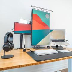 猜猜这是哪类工作者使用的桌面布置