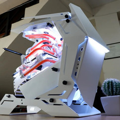白色ATX异形机箱配置解析