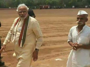 A file image of Prime Minister Narendra Modi and Sambhaji Bhide ahead of the 2014 General Elections. Twitter/@aaptimist_