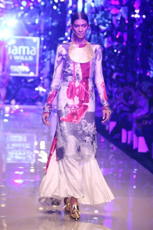 Images Day 3 – Wills Lifestyle India Fashion Week Spring-Summer 2015 Pics (October 11, 2014)-img-16
