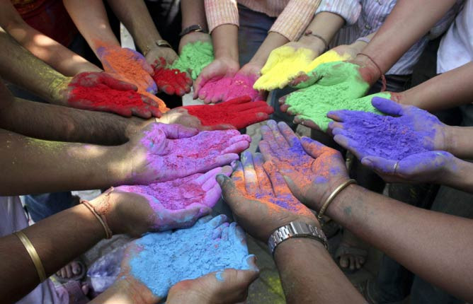 Hands Full of Different Colors. © ACUInternational/Flickr