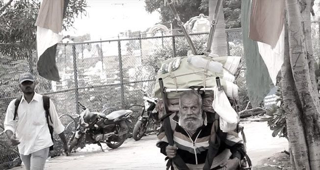 Bagicha Singh , The 81 Year Old Man Who Travels Across India On Foot