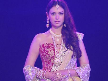 Aditi Rao Hydari showstopper for Payal Singhal at Wills India Fashion Week