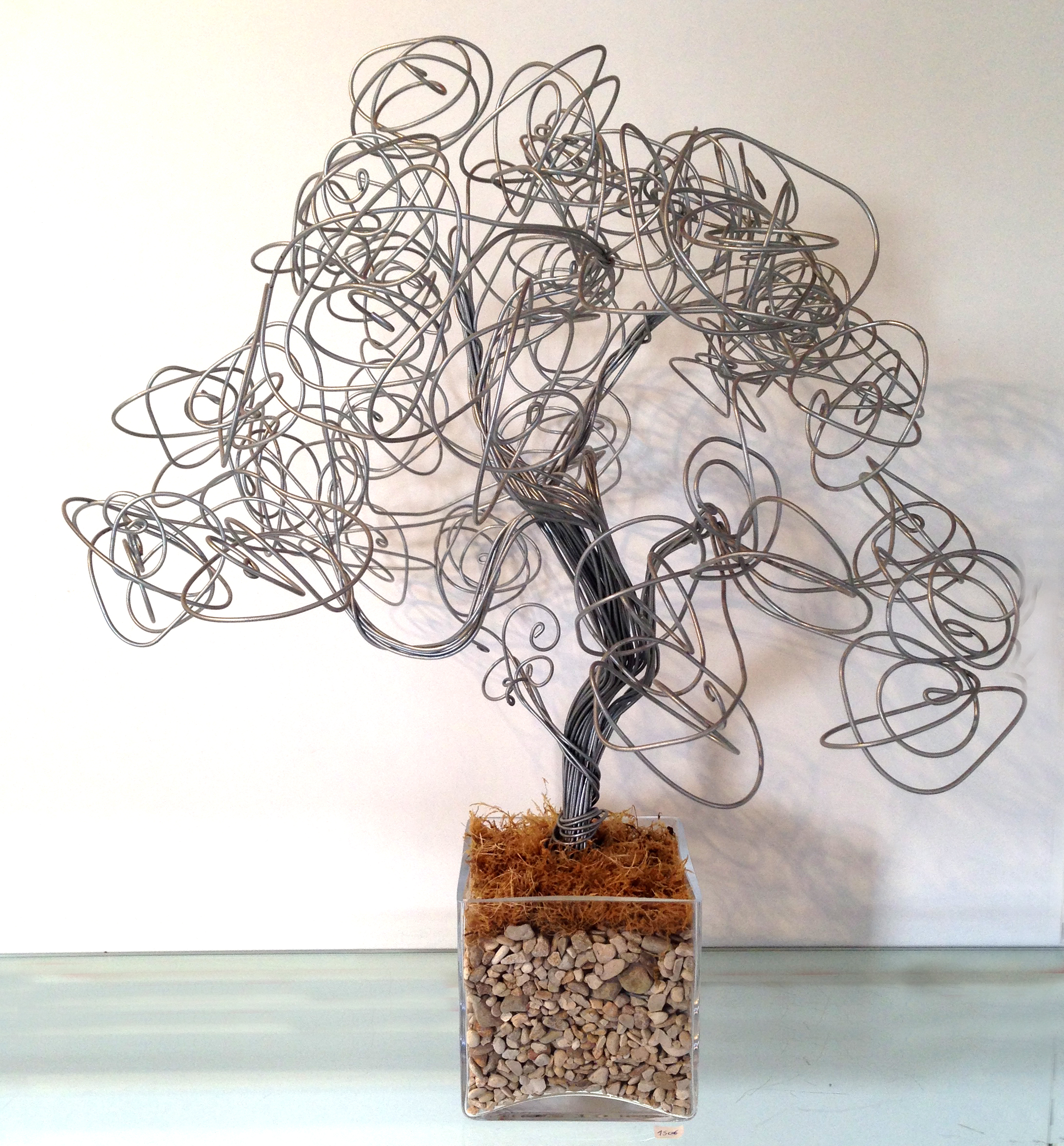 Grand arbre fil de fer