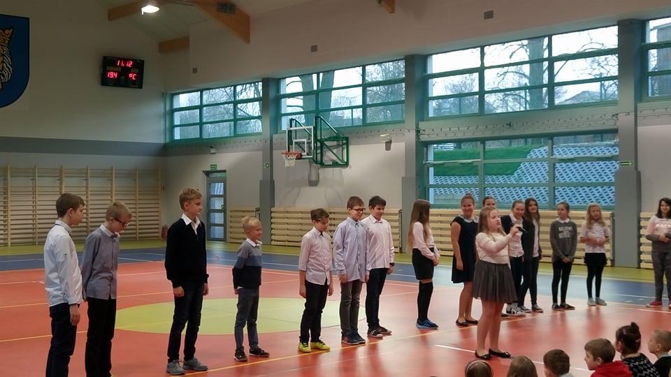 """""""Wawel Dragon"""" performance by 5b"""