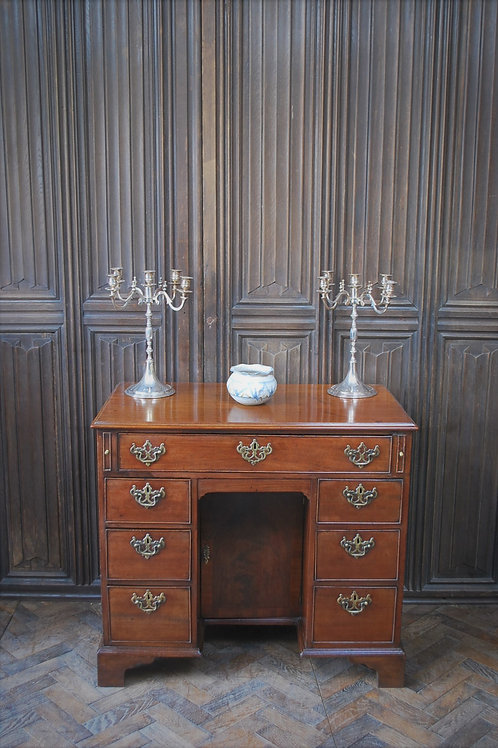Rare Chippendale Period Kneehole Desk