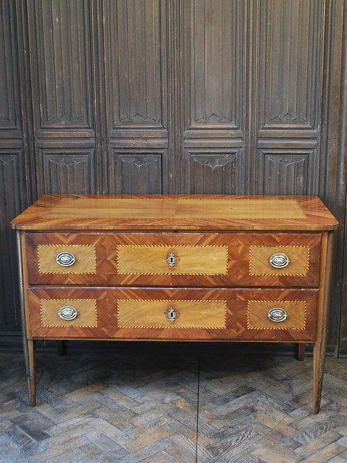 Antique French Commode/Chest of drawers