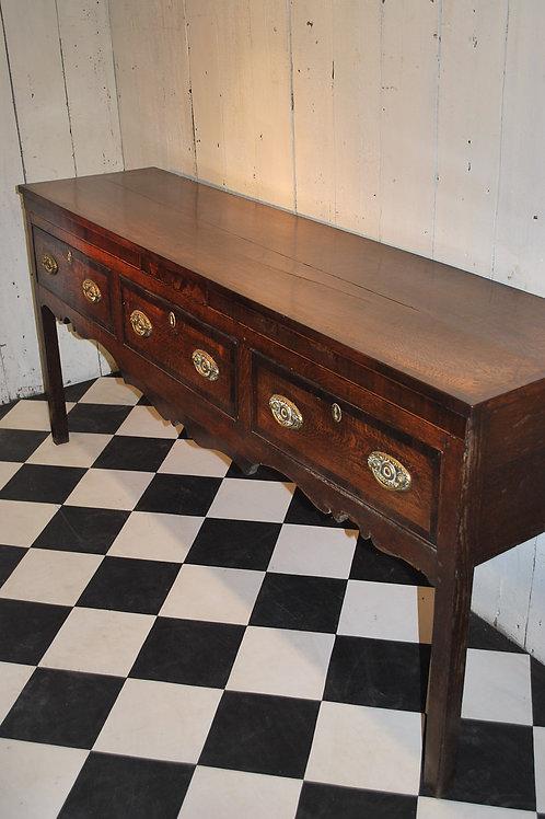 Georgian dresser