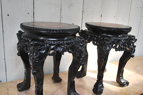 Pair Chinese stands