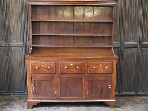 Regency Oak Dresser with a Rack