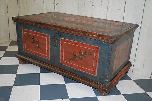 Antique Original Painted Folk Art Coffee Table /Pine/ coffer Box Ref: 281