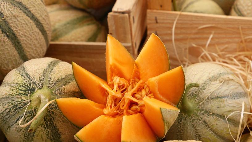 Sliced-melon-on-display-539484.jpg