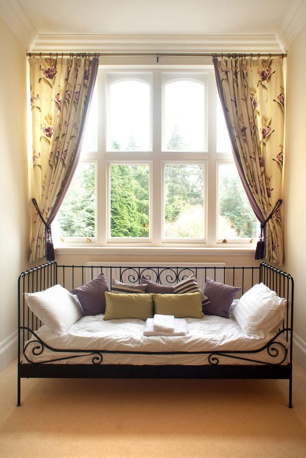 Bedroom No.9 day bed