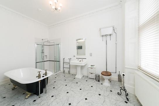 Bathroom for bedroom No.5