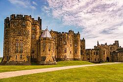 Alnwick-Castle-Harry-Potter-Featured.jpg