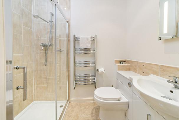 Bathroom for bedroom No.9